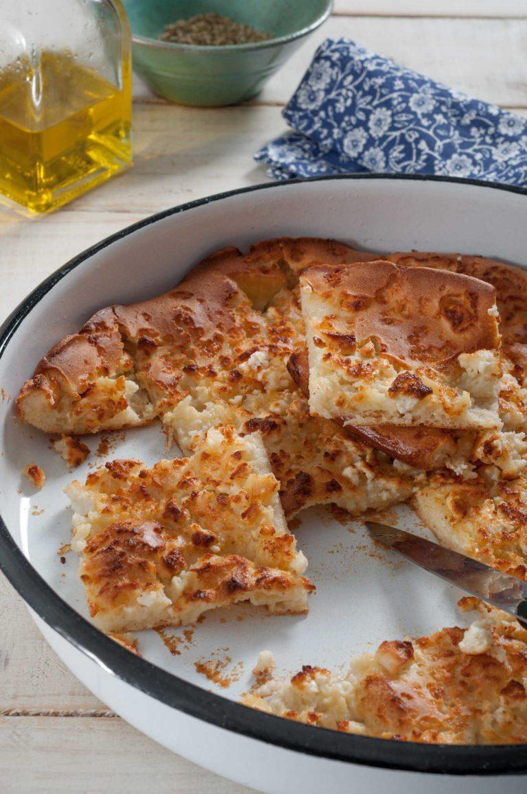 Алевропита – гръцки тънък хляб със сирене