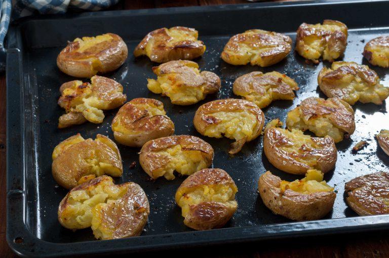 Запечените от едната страна картофи