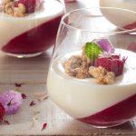 Малини с рози, ванилена панакота, хрупкава лимонова бисквита в бял шоколад