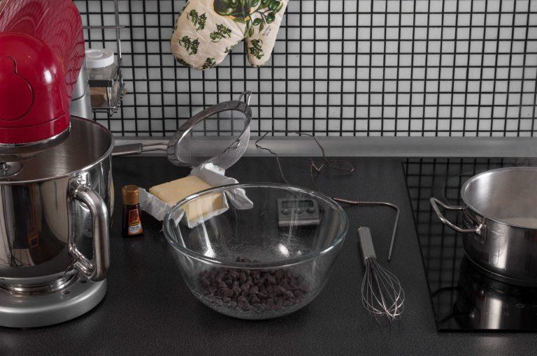Подготвените продукти за шоколадовото кремю