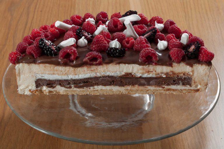 Разрез на тортата
