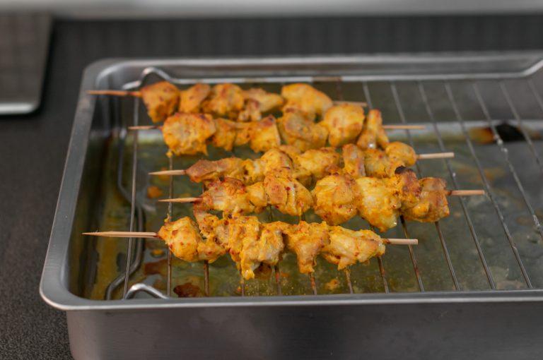 Изпеченото пилешко месо от бутчета