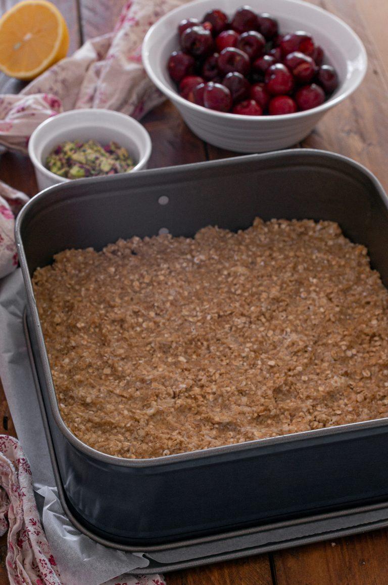 Приготвяне на овесени барчета с череши