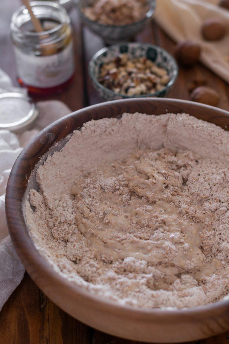 Замесване на тестото за хляба
