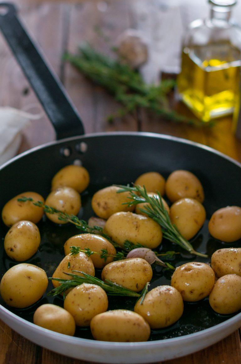 Подготовка на картофите за гарнитура към джолана