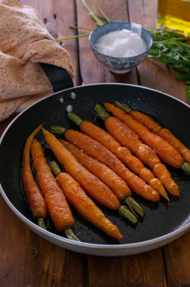 Запечени пролетни моркови