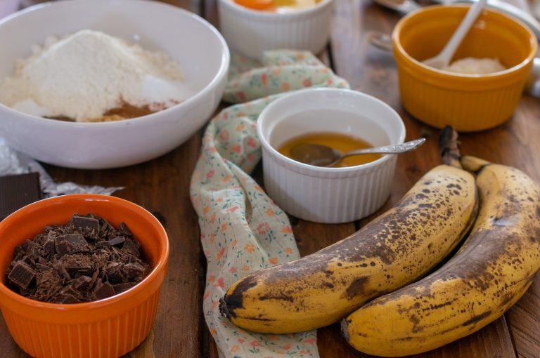 Продукти за бананови мъфини с парченца шоколад