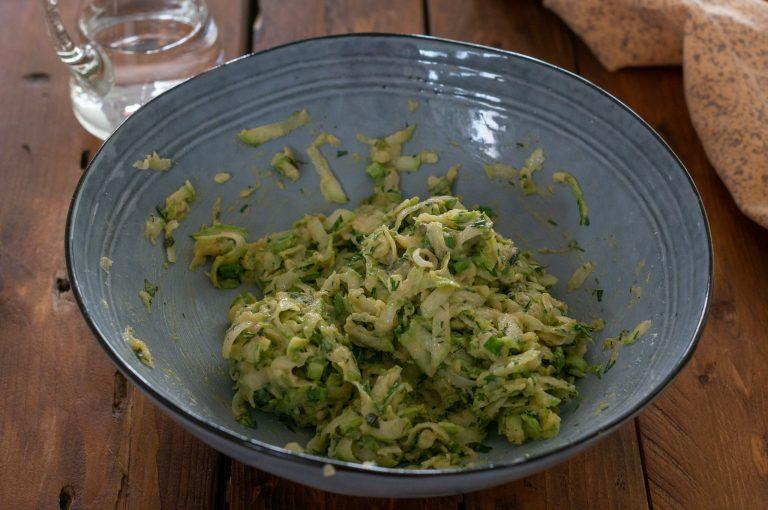 Готовата смес за кюфтета от тиквички