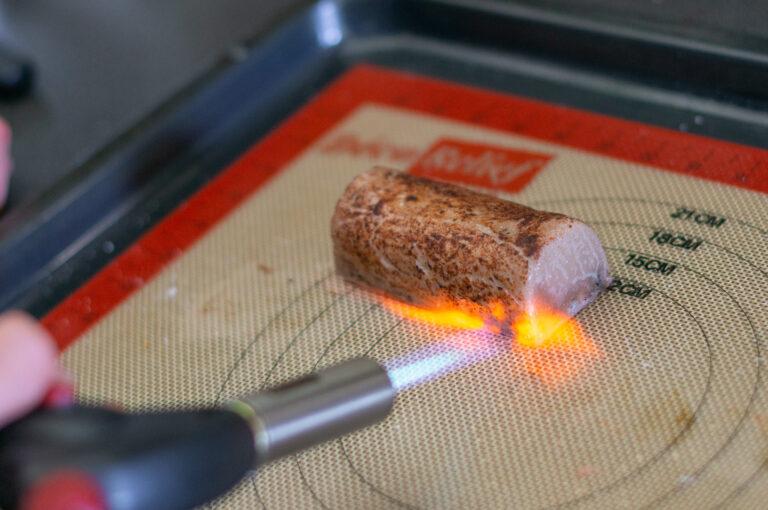 Обгаряне на патешкото с газова горелка