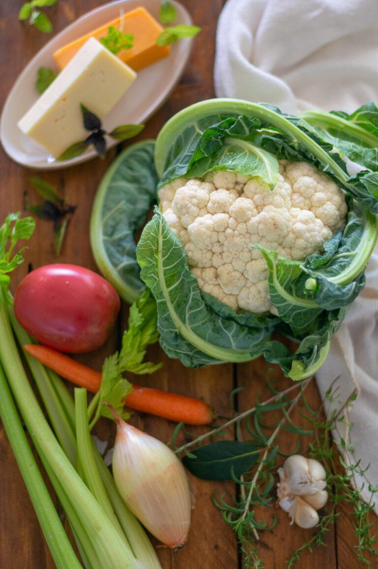 Карфиол и други есенни зеленчуци, жълти сирена