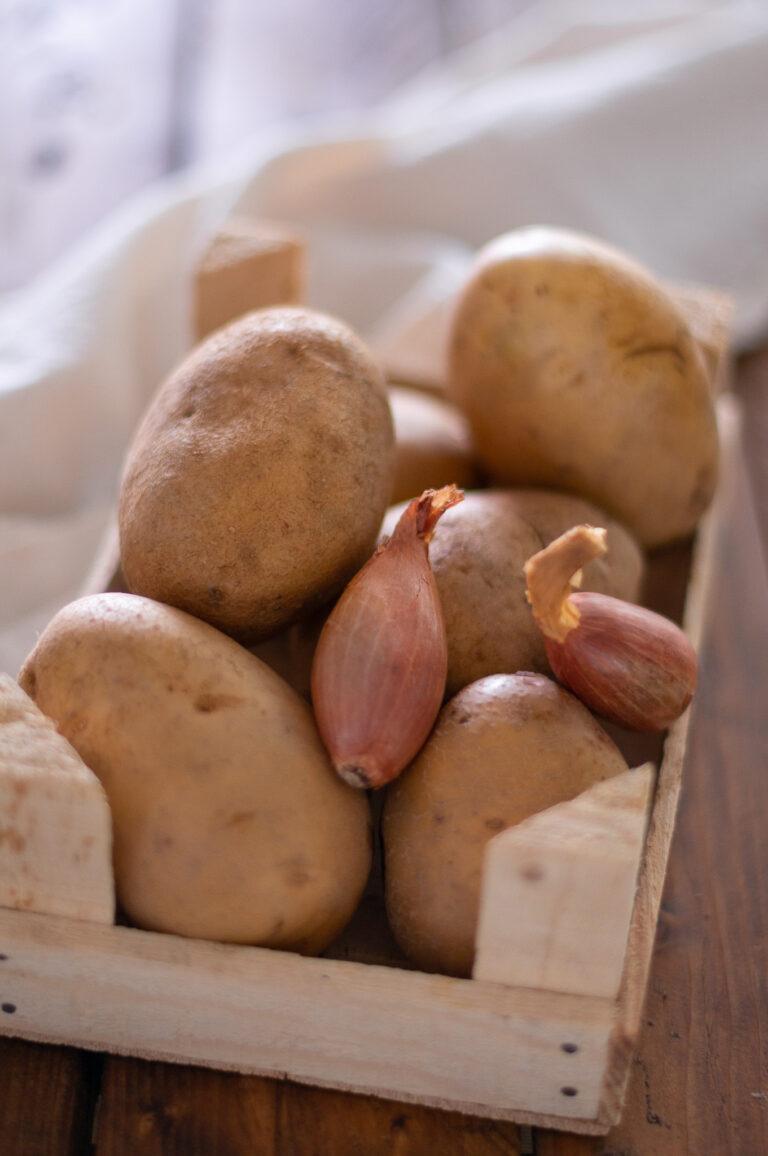 Нишестени картофи и лук за латкес