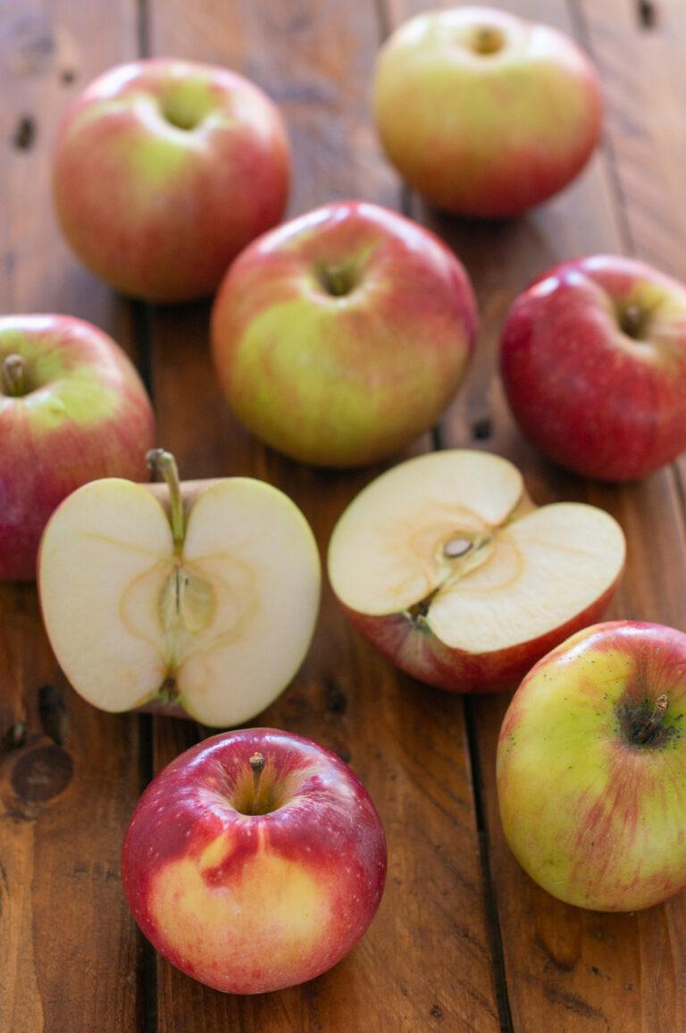 Сладко-кисели ябълки за тарт Татен