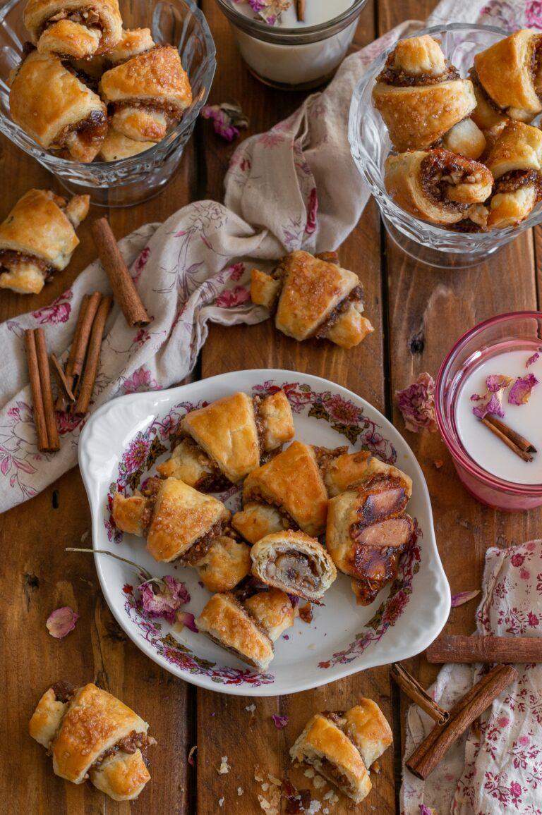 Рогалах със сладко от смокини и орехи