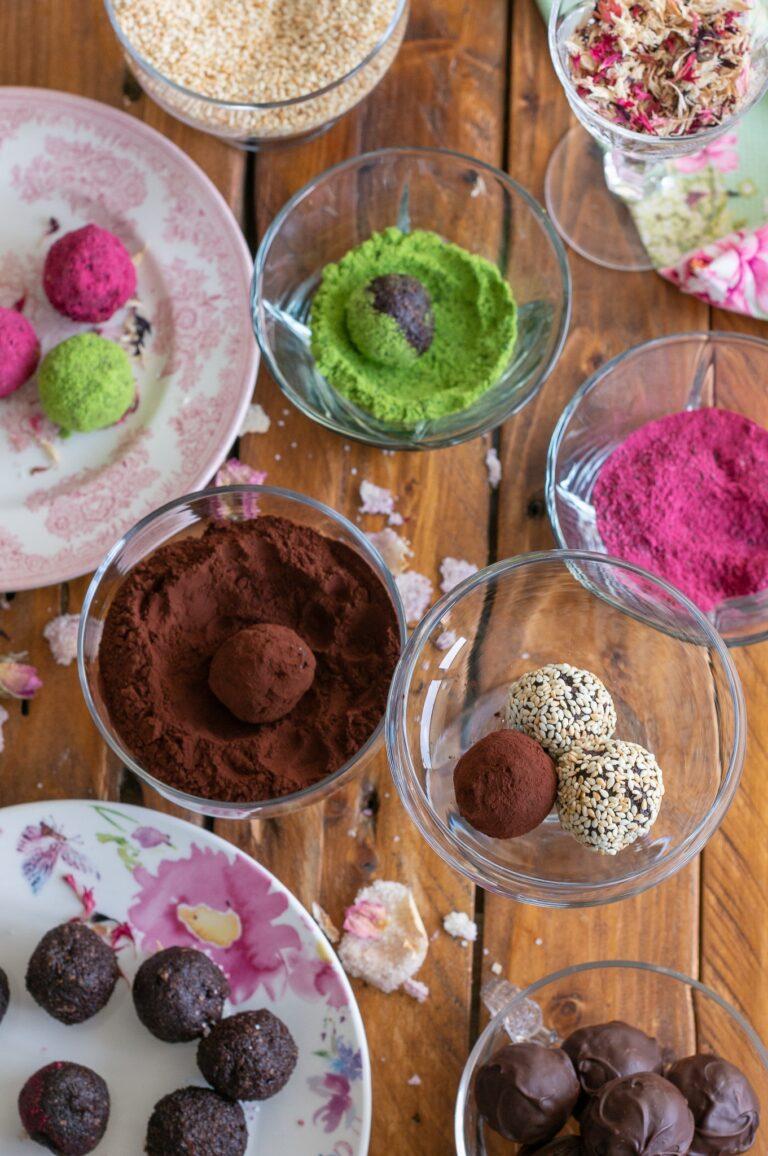 Овалване на бонбоните в различни смеси