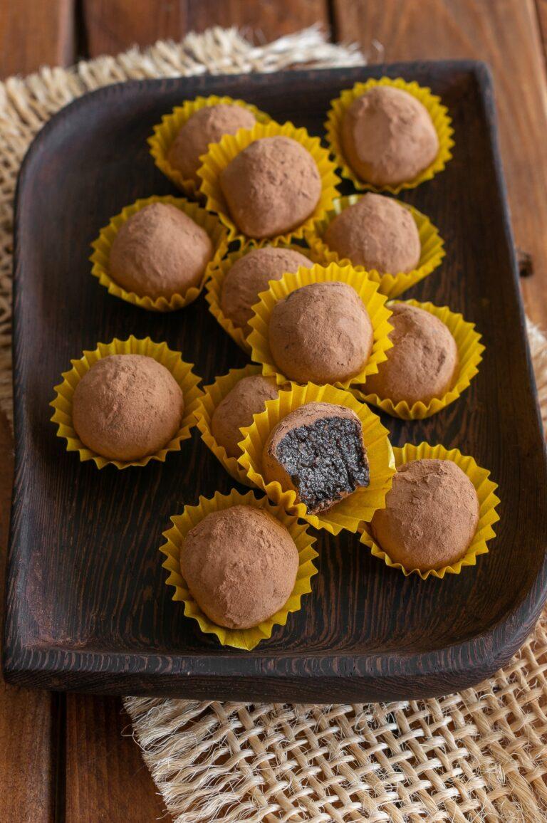 Сурови веган бонбони с брашно от рожков и меласа