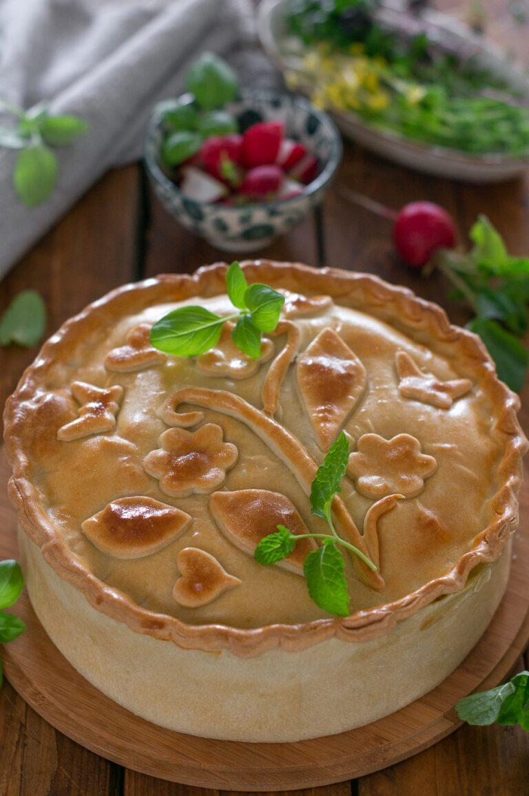 Торта Паскуалина - италиански великденски пай със зеленолистни, рикота и яйца