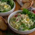 Яйчена салата с авокадо и млечен дресинг