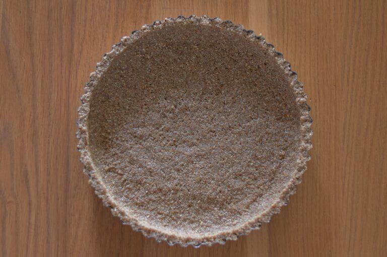 Оформената основа за тарта