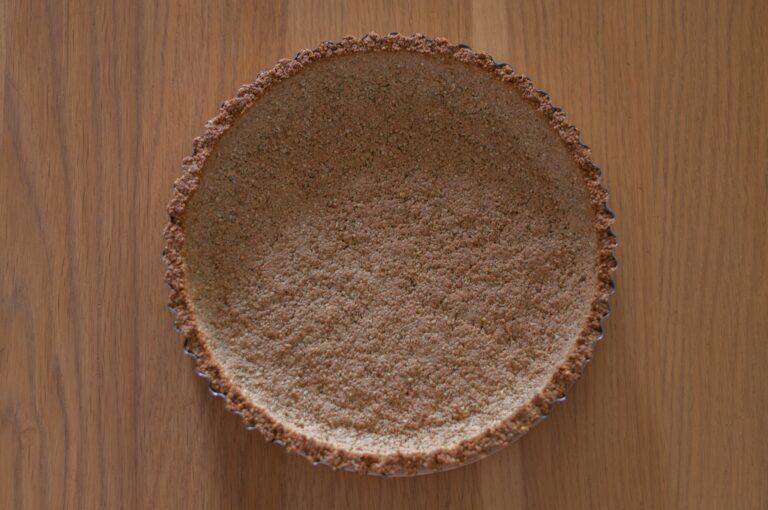 Изпечената основа за тарта